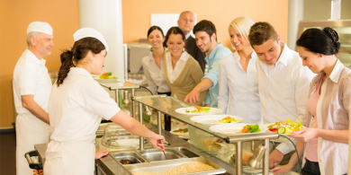 diners-at-a-buffet